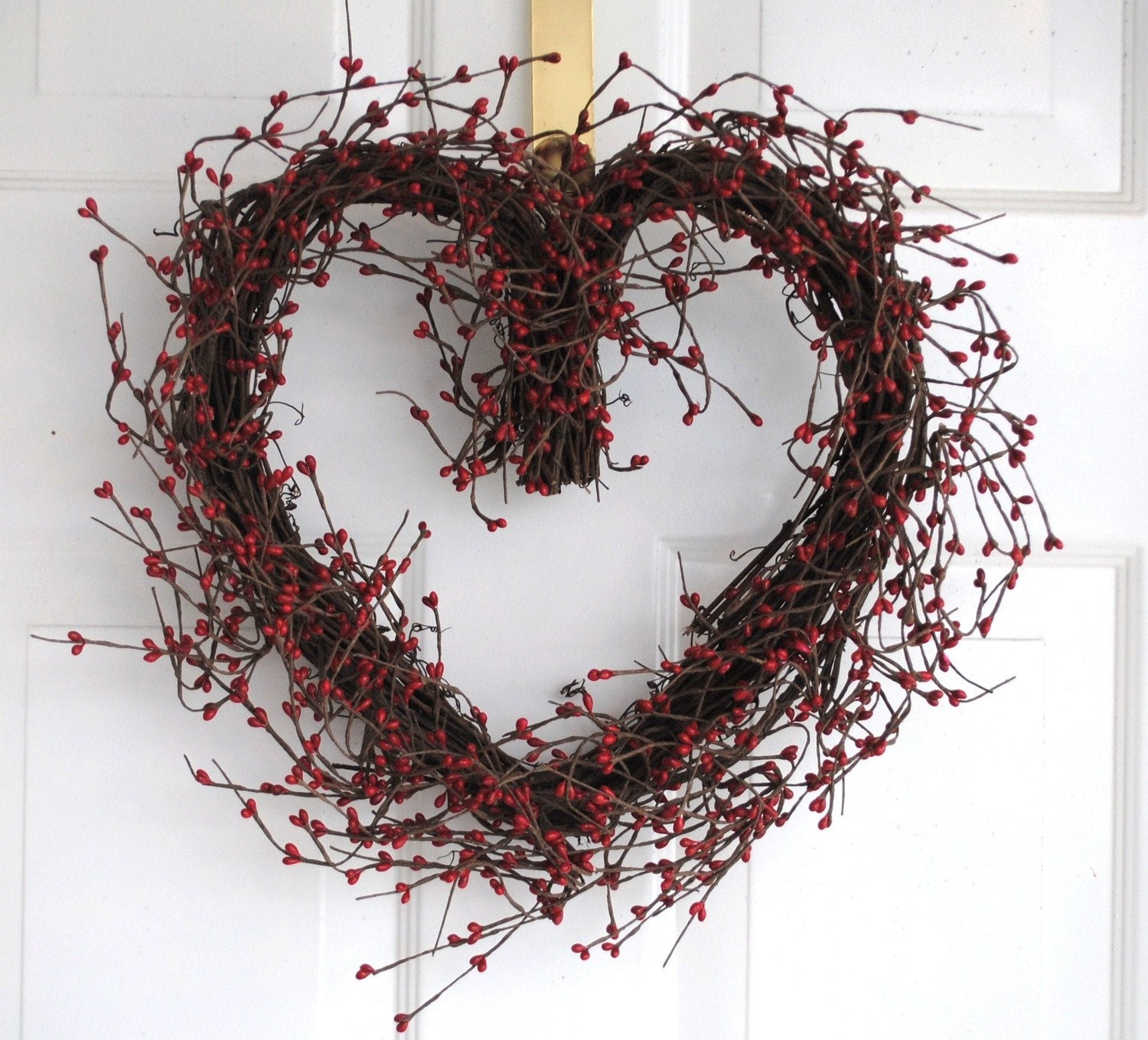 Red Berry Valentine Heart Wreath