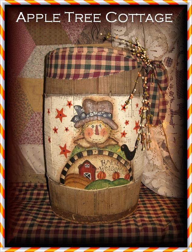 Reserved with pleasure for Lyana121 - viNtage ScArEcRoW nAiL kEg