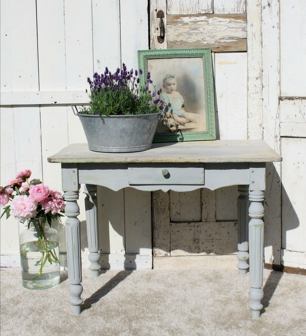 French Table  Shabby Chic  French Provincial  Vintage  Kitchen  Painted Furniture  French Country  French Kitchen