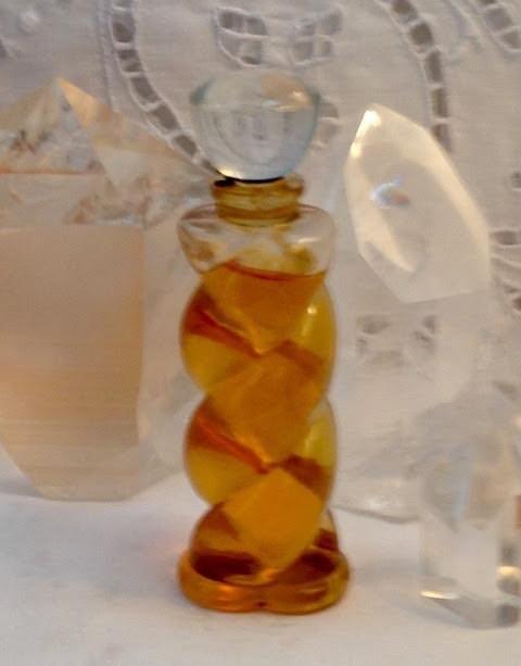 Lucien Lelong Sircc 30 ml. or 1 oz. Flacon Pure Parfum Extrait 1934 Paris France ..