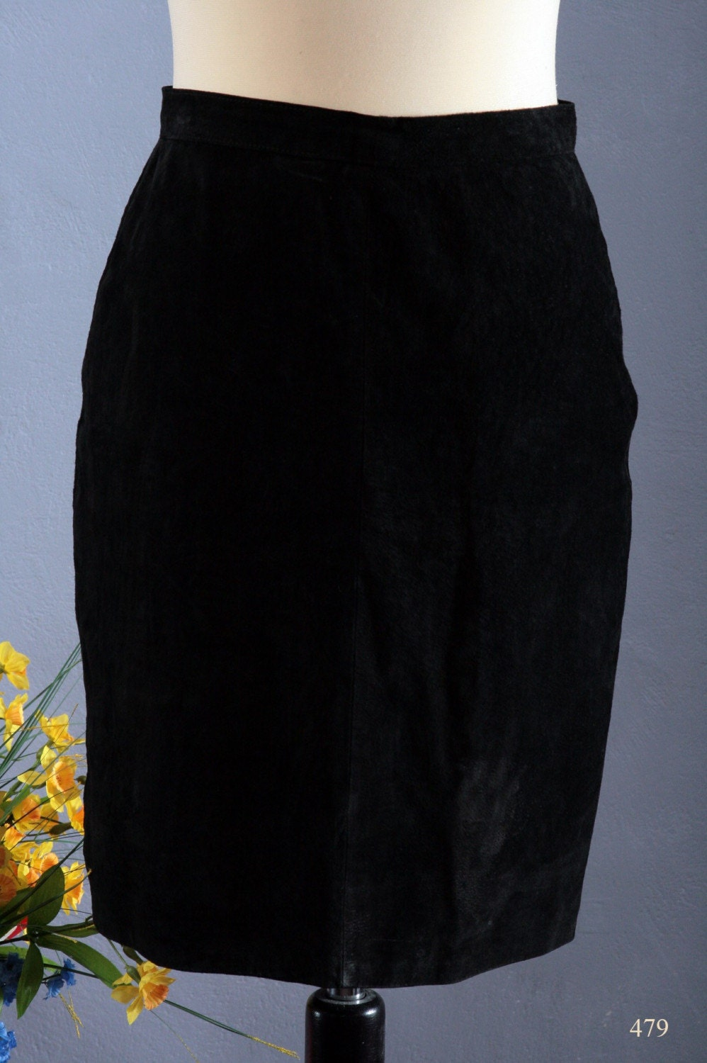 Vintage 80s autumnal BLACK SUEDE HIGH  WAIST  mini PENCIL skirt, size Small to Medium