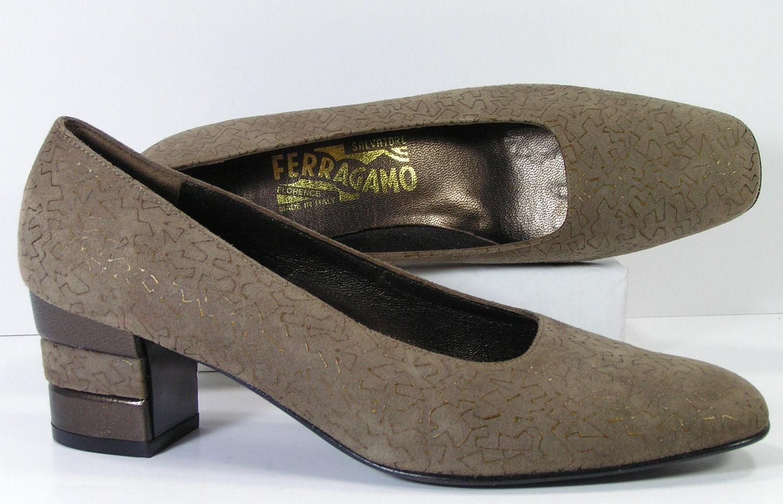 salvatore ferragamo pumps shoes wom ens 7 AA olive gold suede heels