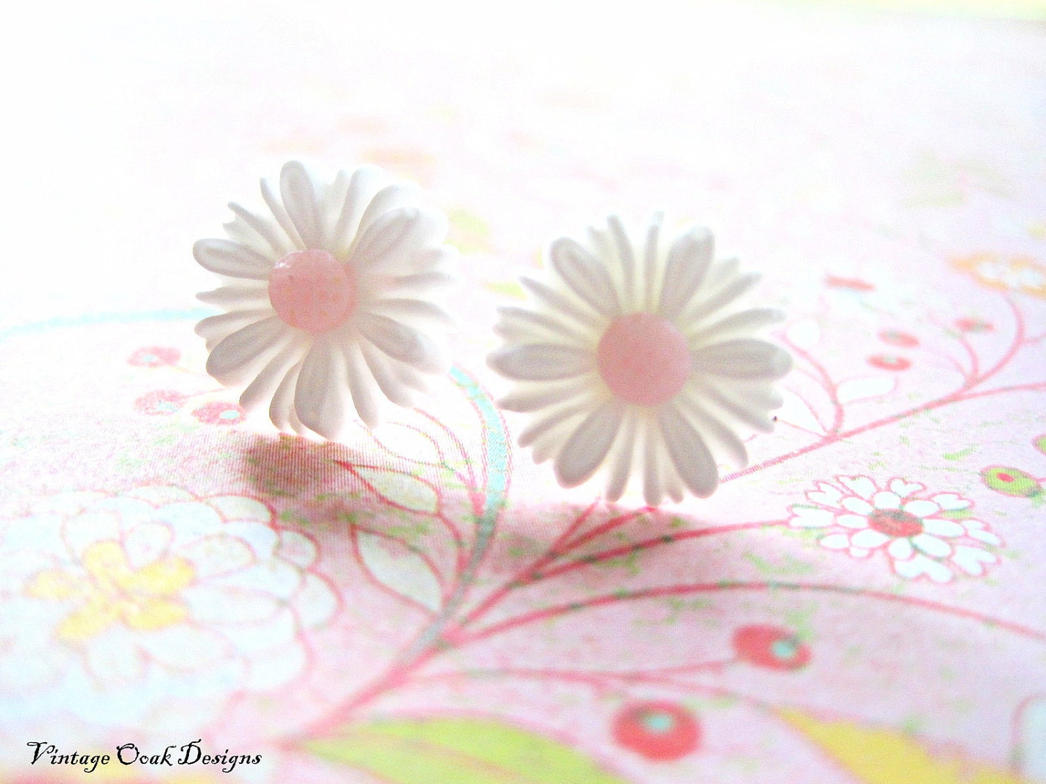 Daisy Flower Studs, White & Pink Flower Earrings, Special Edition - Just Because Gift Set ,Bridesmaid Gifts - VintageOoakDesigns
