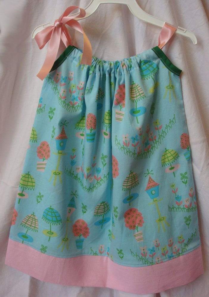 SALE Cute Pillowcase Dress size 12 mos (in R. Kaufman Kitchey Kitchen fabric)  FREE SHIPPING - amyzingcreations