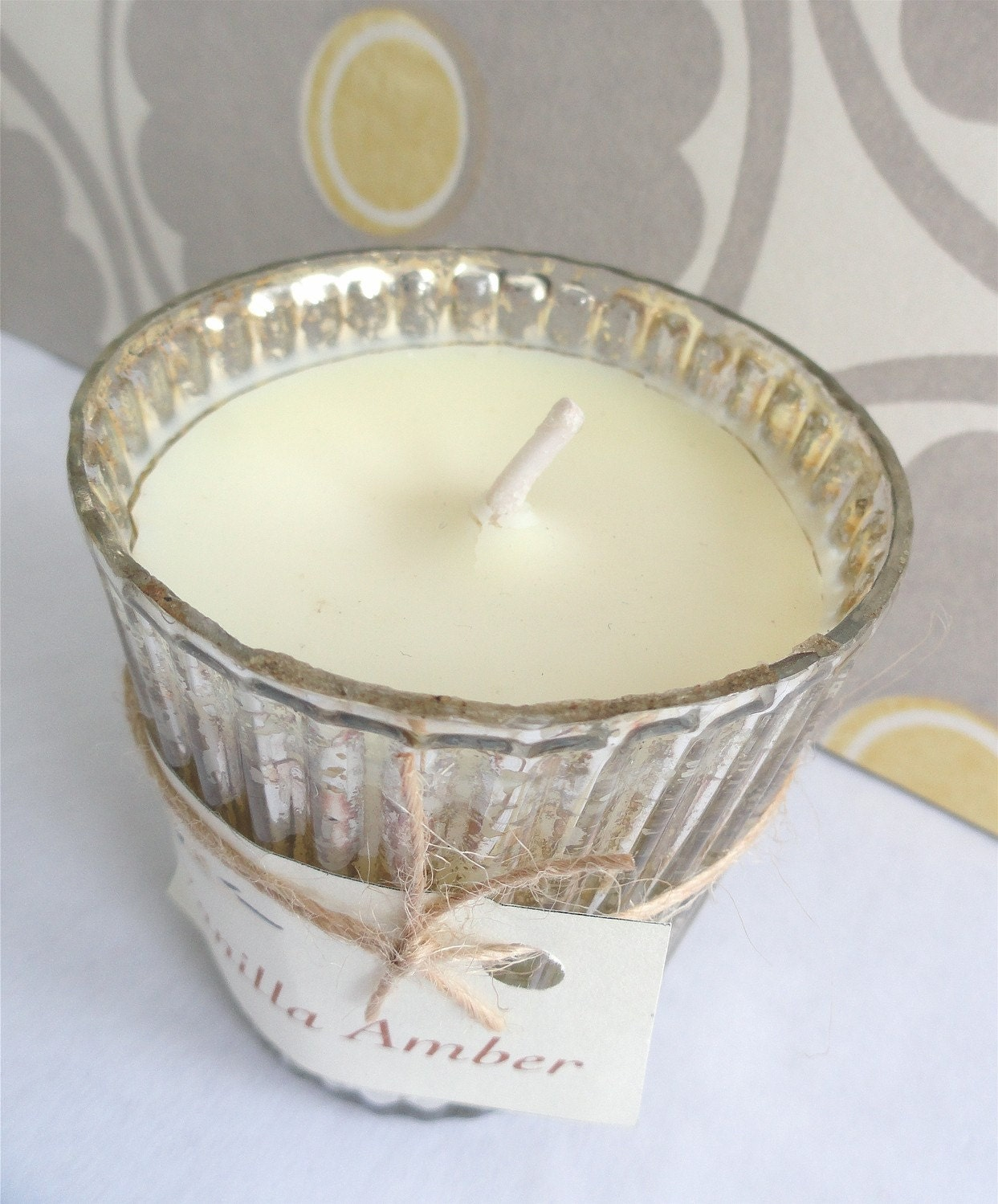 VANILLA AMBER Handcrafted Soy Candle Recycled (6 oz.)