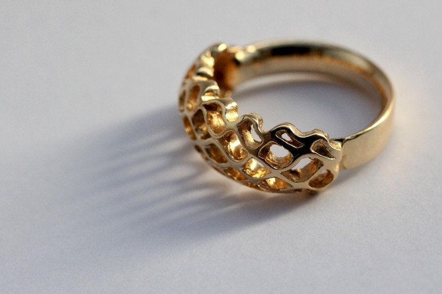 SMALL BEE HIVE  golden plated silver ring with an organic elegant mesh concept