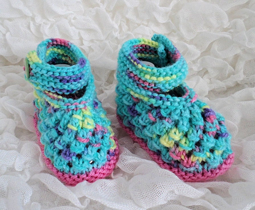 Knitted Baby Shoes Baby Shoes Baby Girl Pink Flower New baby Gift Mum to be Gift Hand Knitted Shoes Baby Footwear Baby Accessories