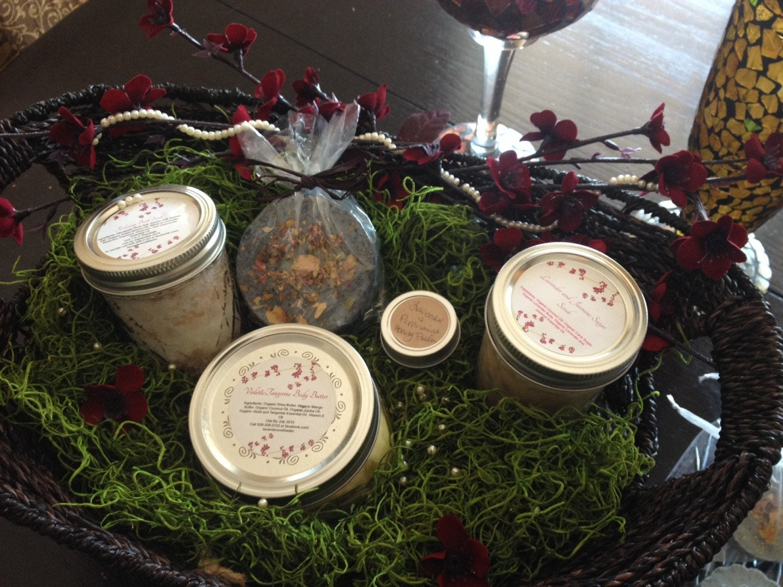 Wedding Gift Basket Etsy : Bridal Gift Basket by LavenderandLiliesBC on Etsy