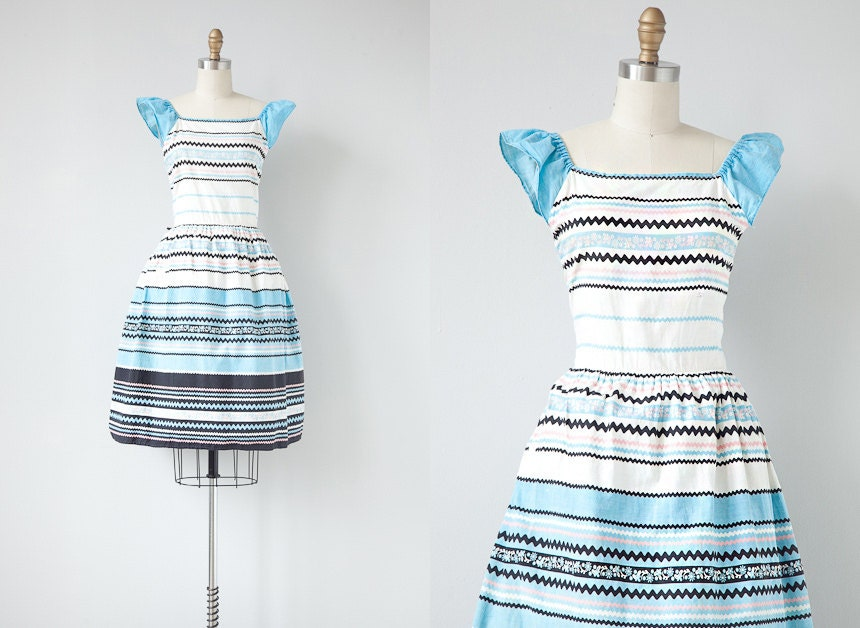 vintage 1940s dress / vintage 40s dress / 1940s summer cotton striped day dress