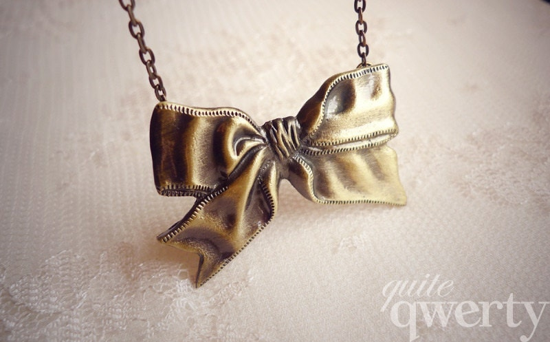 Lola - Vintage Gold Bow Necklace