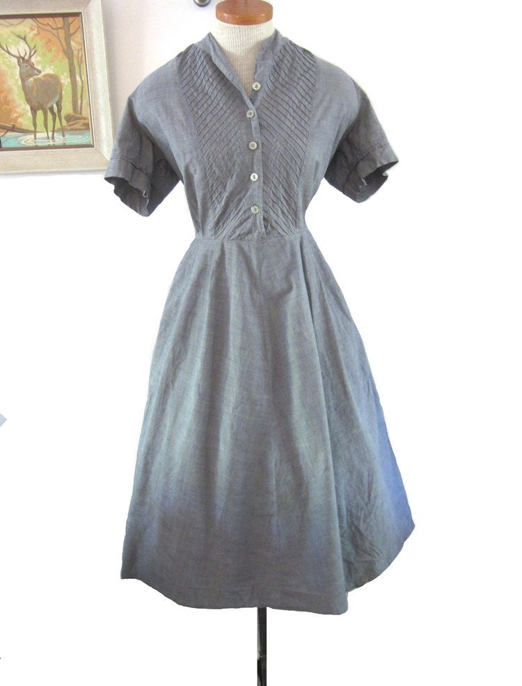 Vintage 1950s Dress xl  :  Grey Cotton Dress with Pintucked Bodice