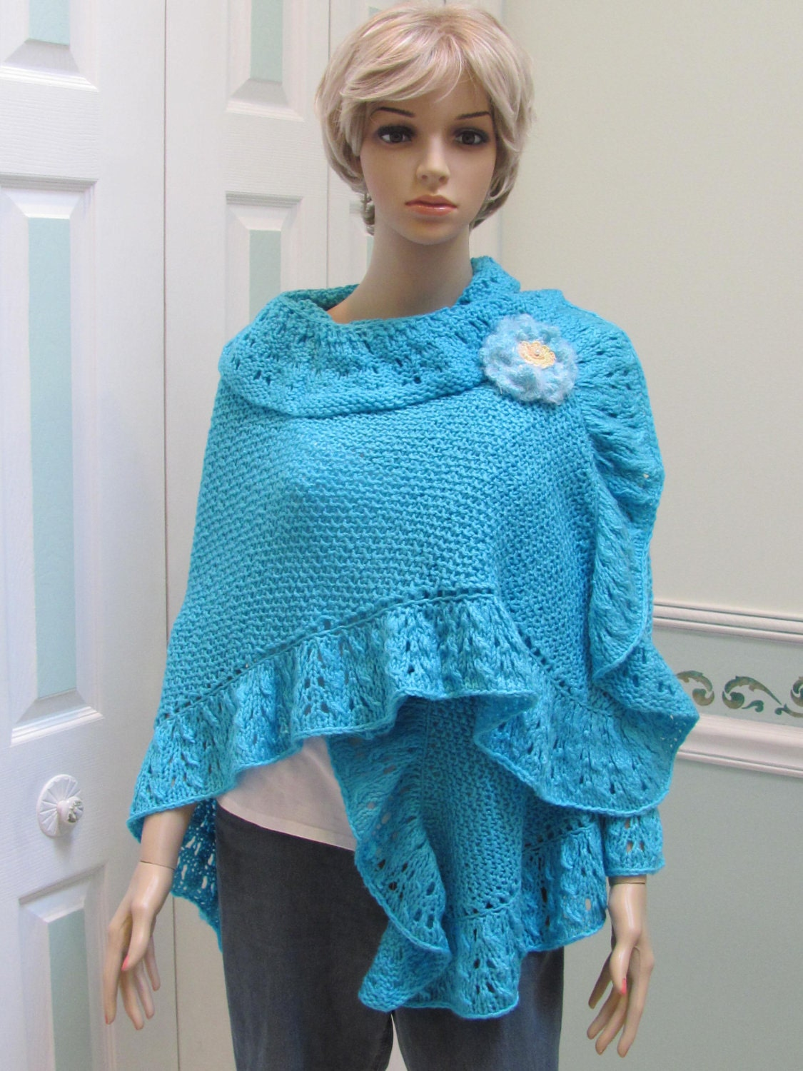 Princess Kate Middleton style shawl in Turquoise by UptownKnits