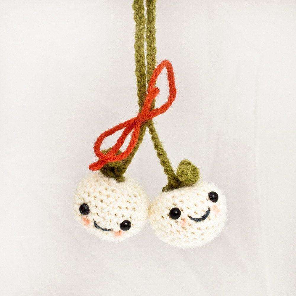 Mistletoe Lovers Christmas Ornament Amigurumi