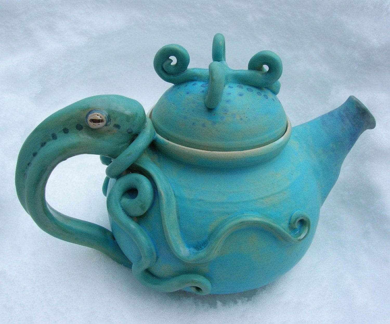 DEEP MAT TURQUOISE BLUE Squid Octopus Stoneware Tea Pot TEAPOT Stunning