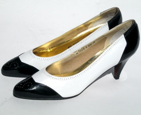 Black and White Shoes- Wing tip spectator saddle shoes- Ladies Leather