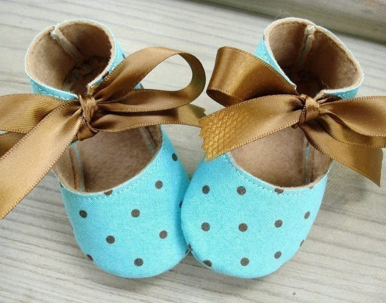 SALE - PDF ePATTERN - Basic Booties for Babies, Preemies and Dolls - Ten Sizes
