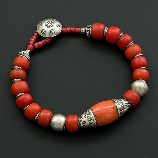 Red bracelet of Tibetan and Thai silver, padre beads