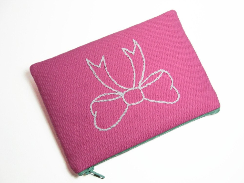 Fancy bow embroidered pouch