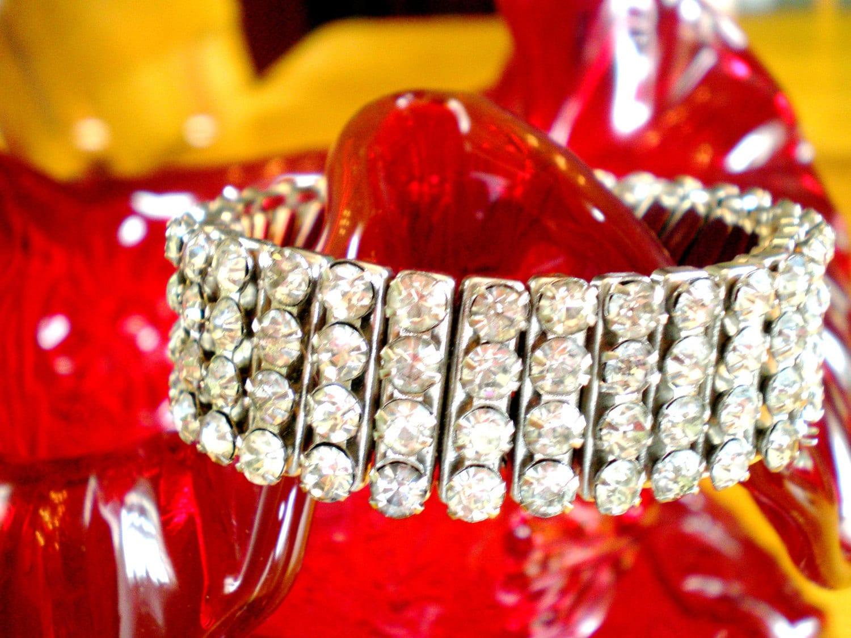 Vintage Silver tone Bright Sparkling Rhinestone  Metal Stretch Bracelet 50s