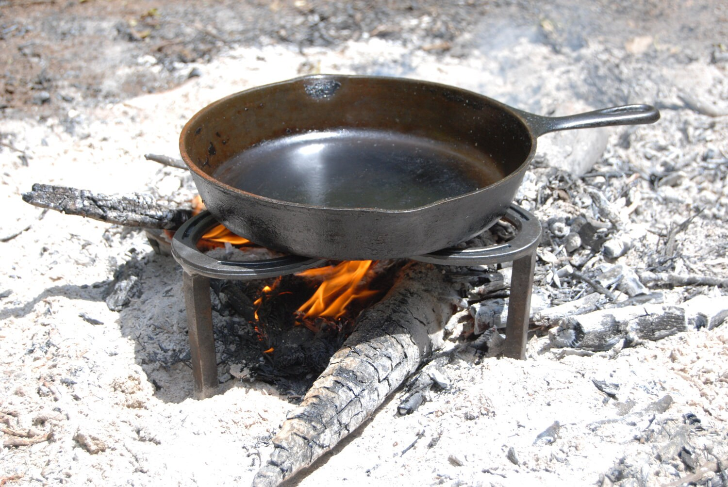 how to make a campfire cooking stand