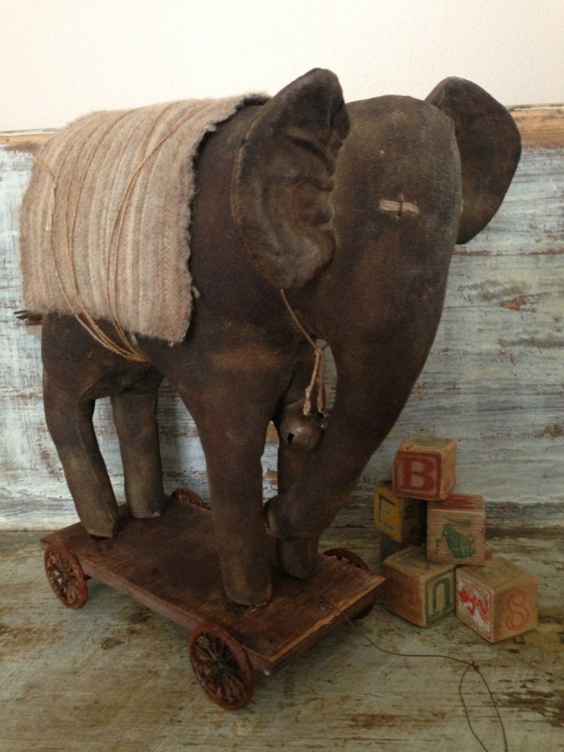 Large oak Primitive Elephant Pull Toy by VillagePrimitivesbyM