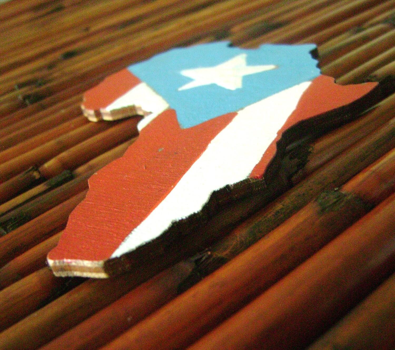 Boriqua - HandPainted Africa Wood Magnet