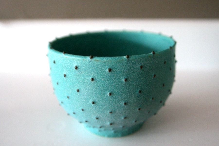"Stoneware Bowl with Dots / Wheel-Thrown Ceramic / Turquoise Verdigris Matte Glaze with Hand Applied Spotted Dots / ""GUAN�BANA B"" - LeiliDesign"