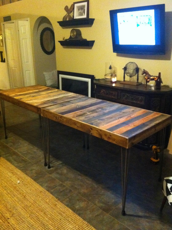 GRAN madera recuperada Barnwood Mesa de comedor con mesa de horquilla de acero piernas-upcycled y moderno upcycled de materiales reciclados