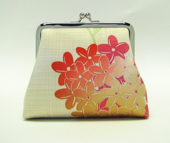 Bridesmaids gifts - Iphone Inn , 2 card pockets,  5 in - Fire flowers