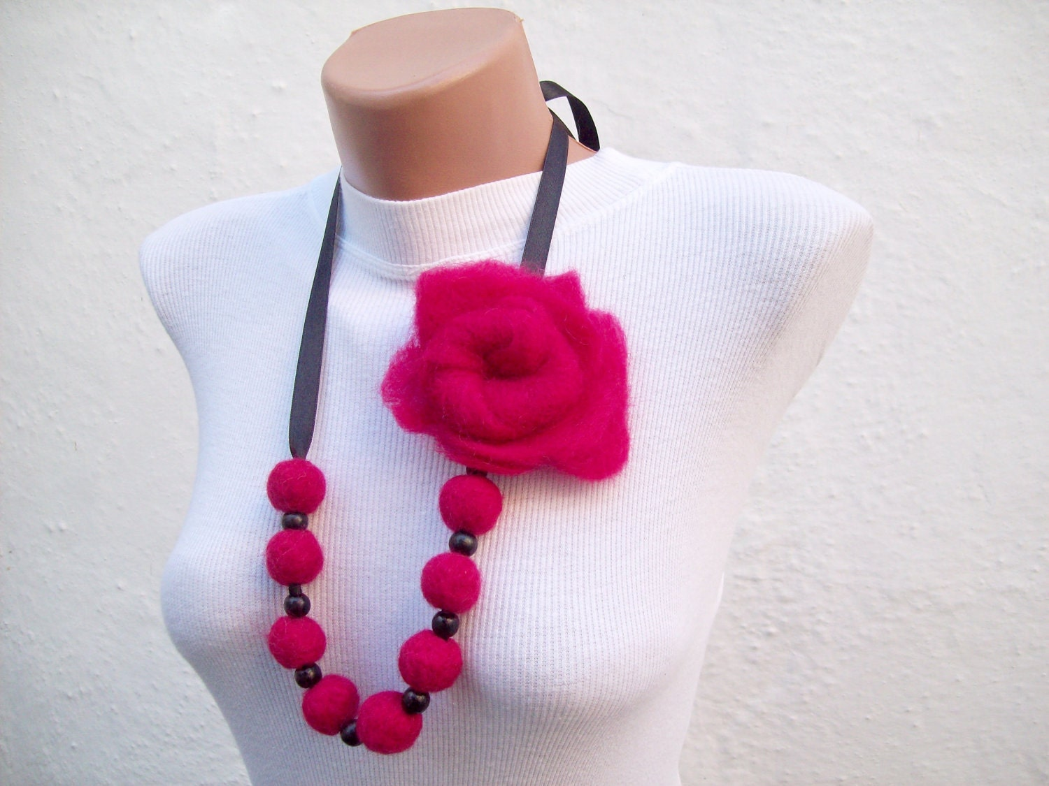 Felted Flower   Necklace Pink Fall Fashion Holiday Accessories Spring Celebrations - nurlu