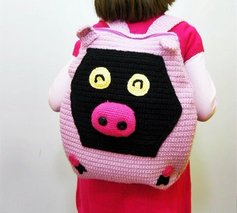 Pink pig backbag for children