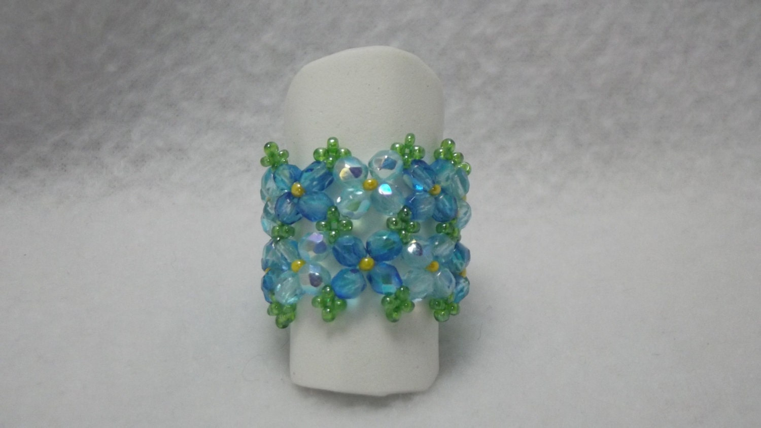 Spring Flower Band Ring Blue toned