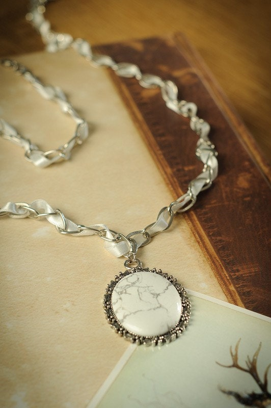 "White Ribbon and Magnesite Necklace ""Snow White Wonder"""