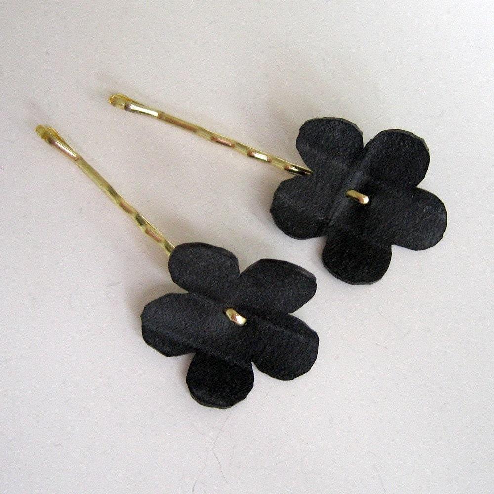 Bike inner tune flower bobby pins