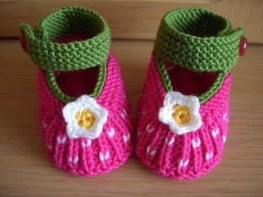 FREE SHIPPING 0-3 Months PINK FLOWER feminine mother gifts Booties shoes B11