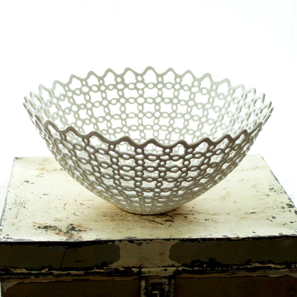 Carved Porcelain Fruit Bowl - isabelleabramson