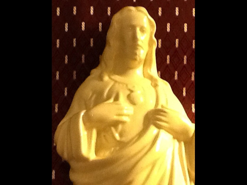 Vintage JESUS STATUE Ceramic Sacred HEART - WorthAnotherLook