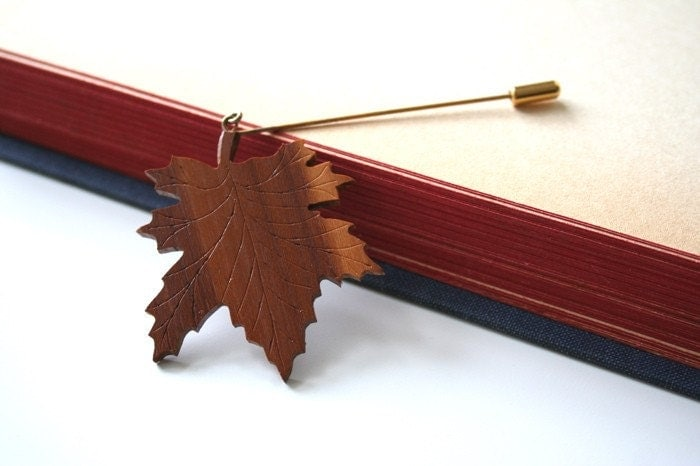 Vintage Wooden Leaf Stick Pin