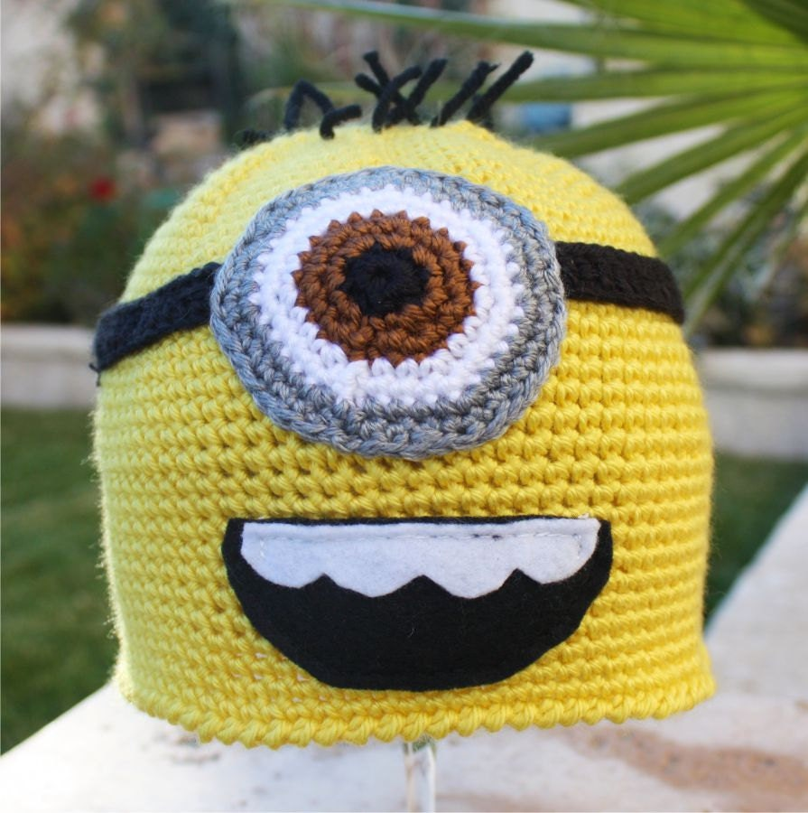 Knitting Pattern Minion Despicable Me Hat : Despicable Me Minion ish Hat : One Eyed Minion by littlepopos
