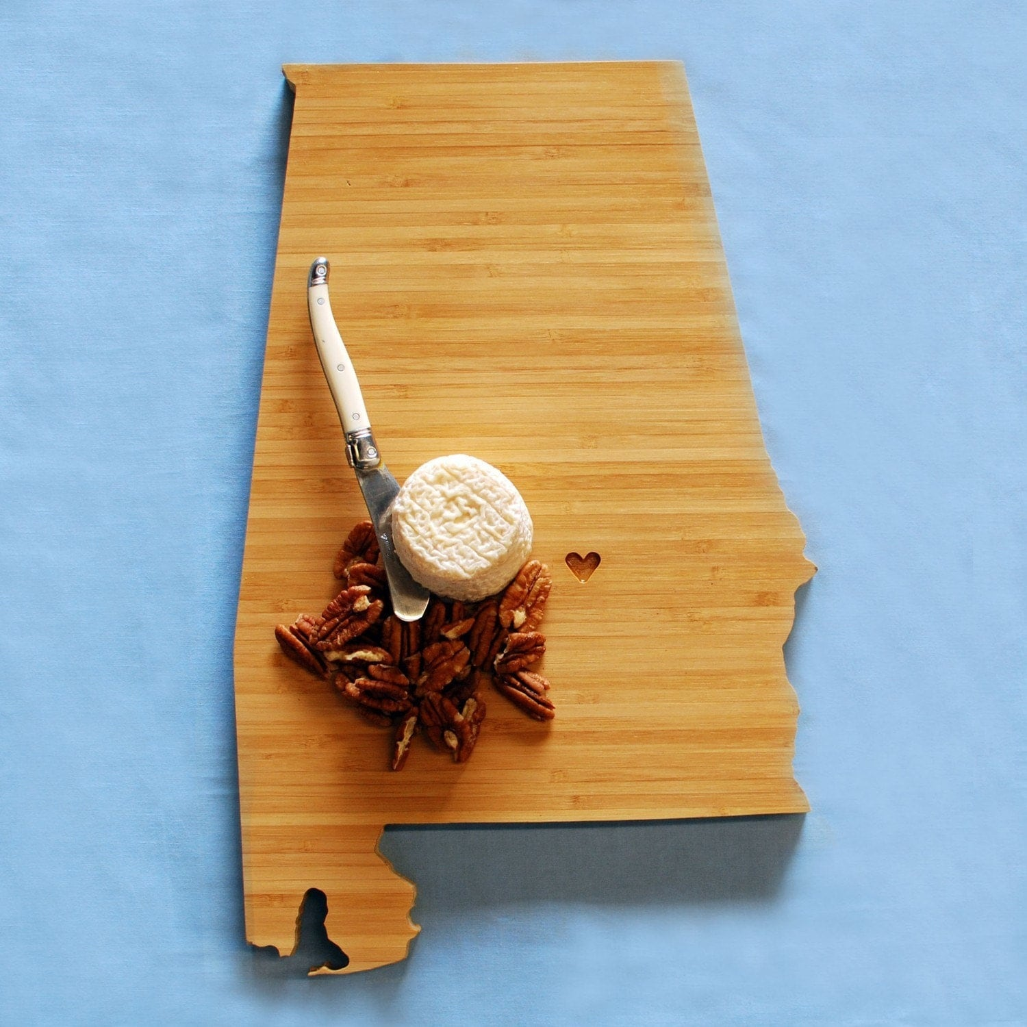 aheirloom 39 s alabama state shaped cutting board by aheirloom. Black Bedroom Furniture Sets. Home Design Ideas