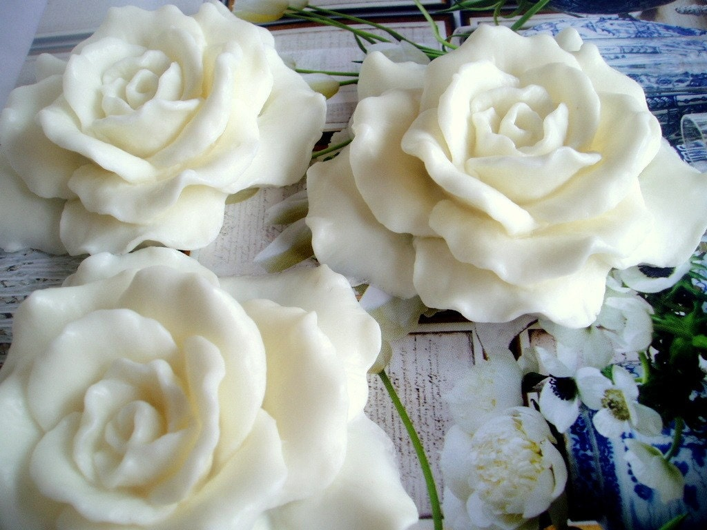 White Flowers Soap Gift