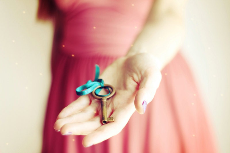 Key photograph, 20x30cm print / 8x12 print, dreamy, gold key, romantic, decadent - dianadebord
