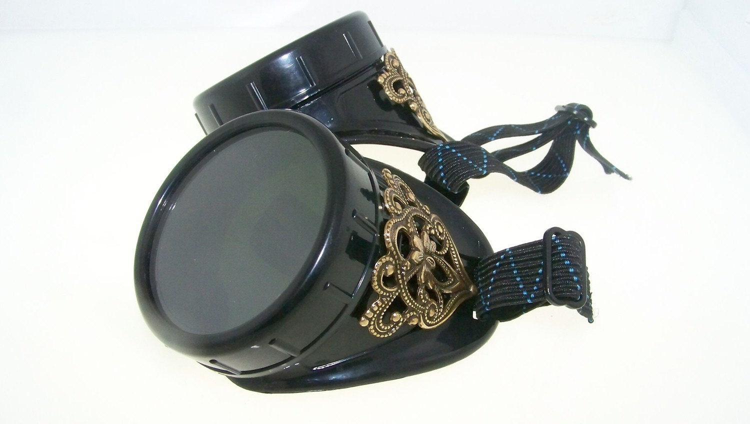 Basic Steampunk Goggles by TheSteamPunkTrunk