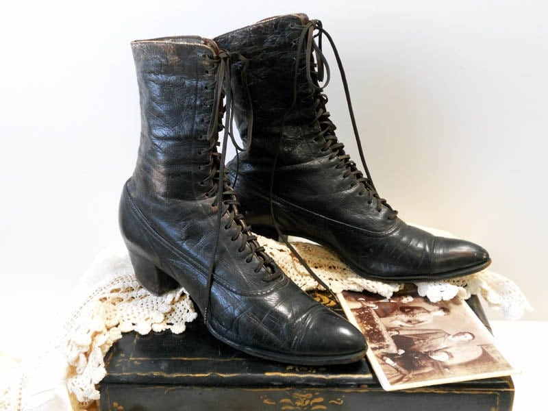 Antique Victorian Edwardian Women's Lace Up Boots / The Selby Shoe Co. - crazeecowgirlvintage