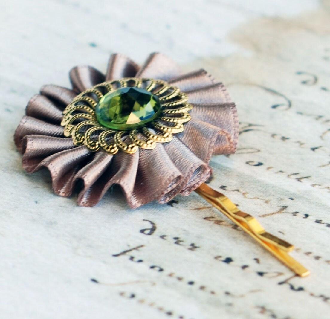 Hazelnut - Olive Green -  hair pin