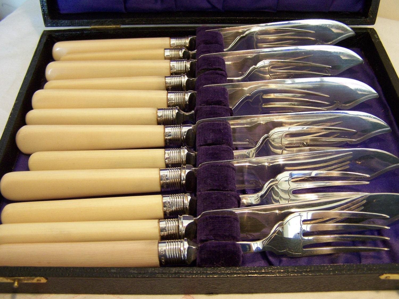 antique sterling silver epns fish cutlery set in case ebay. Black Bedroom Furniture Sets. Home Design Ideas