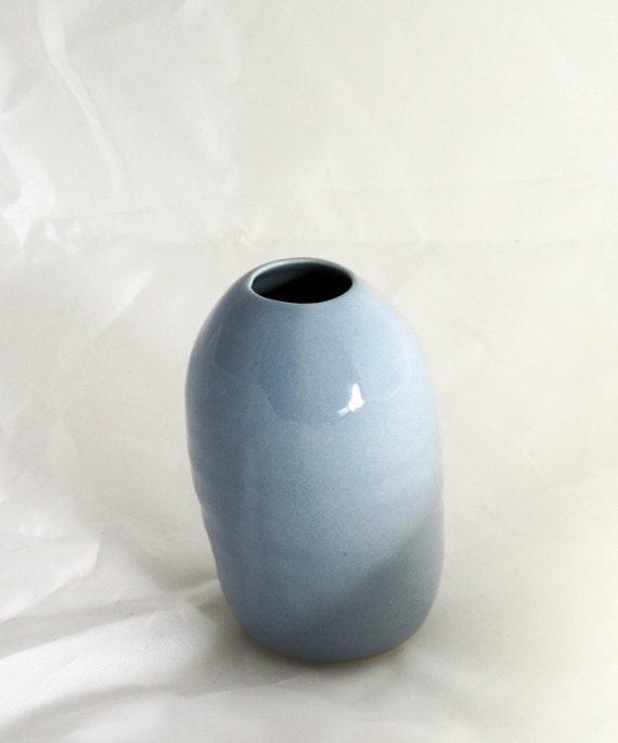 iceburg blue seed vase - davistudio