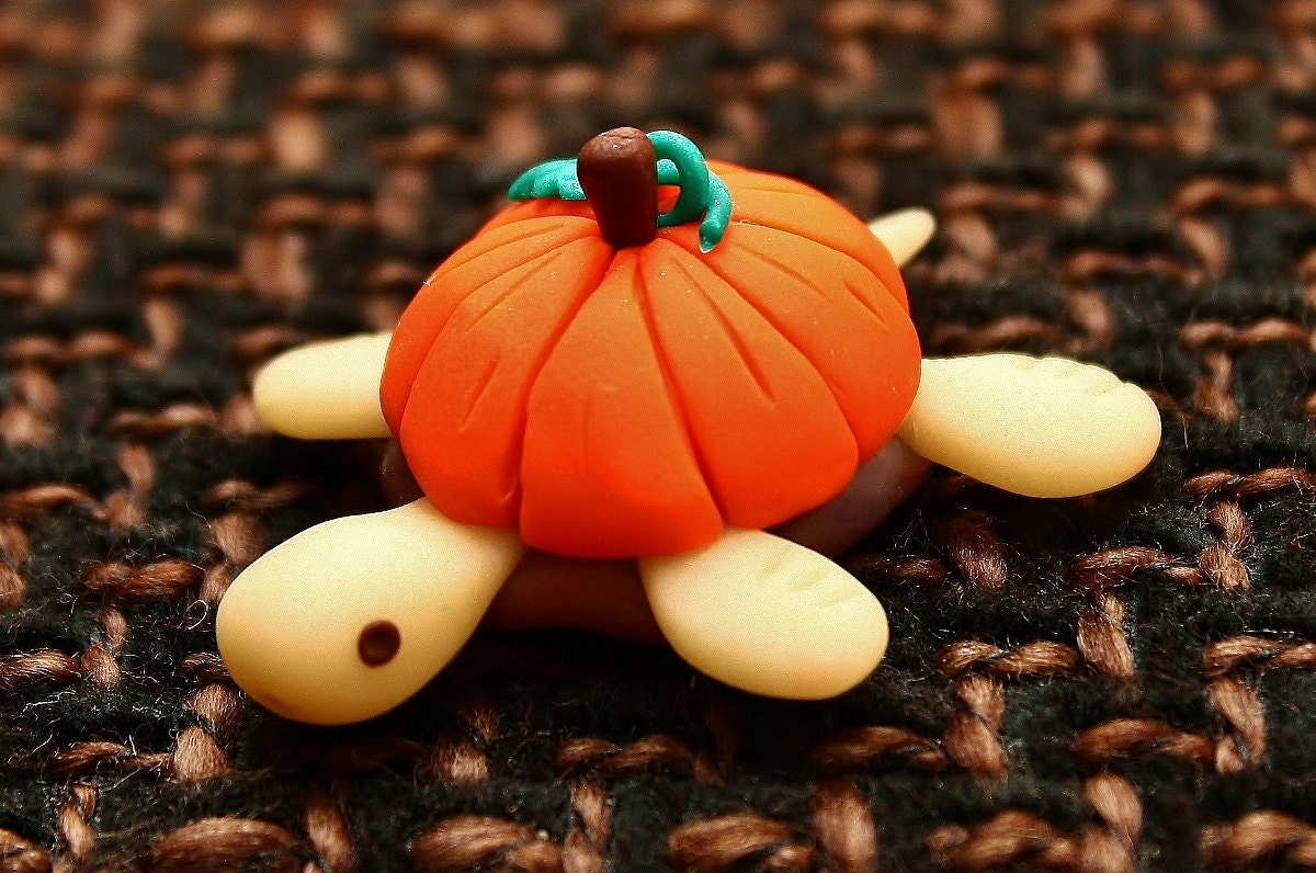 Halloween orange pumpkin fimo turtle Ornament sculpture glow in the dark - Onlymiracles