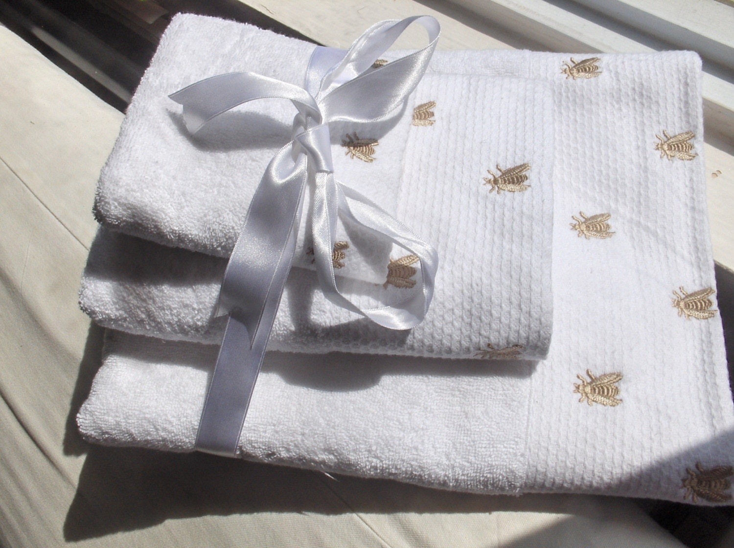 BEAUTIFUL 3 PIECES TOWEL SET FREE SHIPPING IN by bahardecoration from etsy.com
