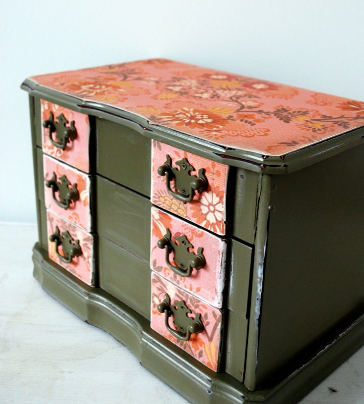 Green and Coral Upcycled Jewelry Box